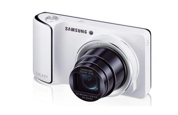 Samsung Galaxy Camera in offerta a 330€ su Amazon.it!