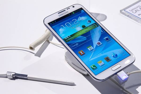 A Samsung Galaxy Note II phone-cum-tablet is displayed during the first day of the Consumer Electronics Show in Las Vegas