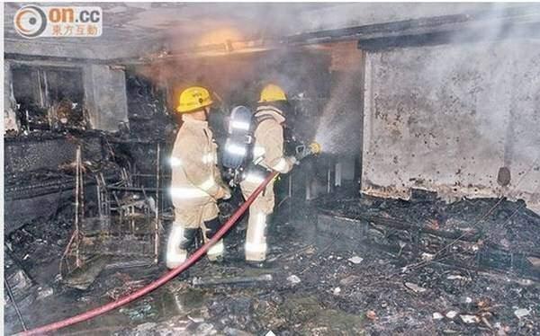 Samsung Galaxy S4 esplode, casa in fiamme a Hong Kong