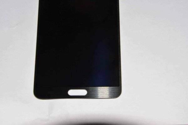 Samsung Galaxy Note 3 in foto: ecco la parte frontale dello smartphone