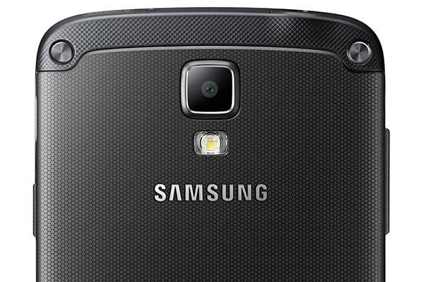 Samsung Galaxy S6 Active confermato e mostrato in una prima foto