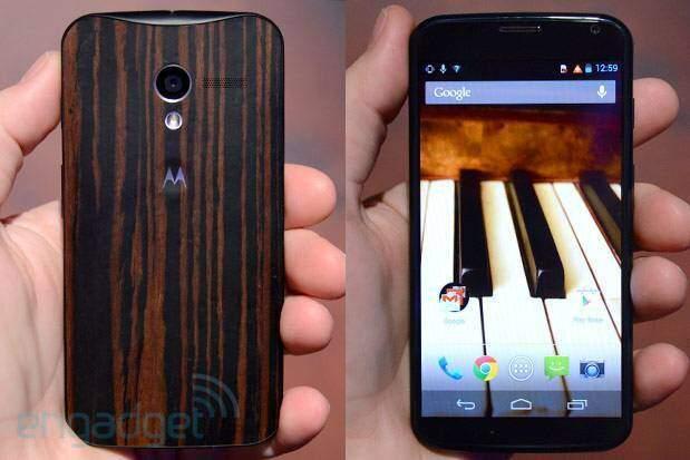 Motorola Moto X con cover in legno: primi video hands-on e immagini!