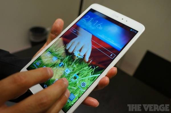 LG G Pad 8.3: impressioni e video hands-on dall'IFA 2013