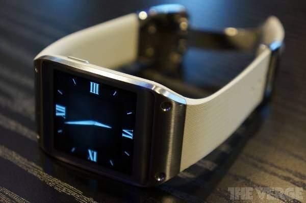 Samsung Galaxy Gear: focus sul software e video hands-on