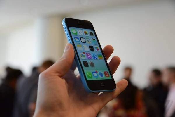 iPhone 5C contro tutti: smartphone economici a confronto!