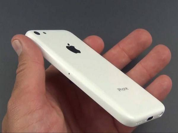 iPhone 5C, un video lo mostra in funzione