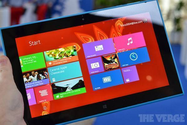 Nokia Lumia 2520, il tablet che sfida Surface 2