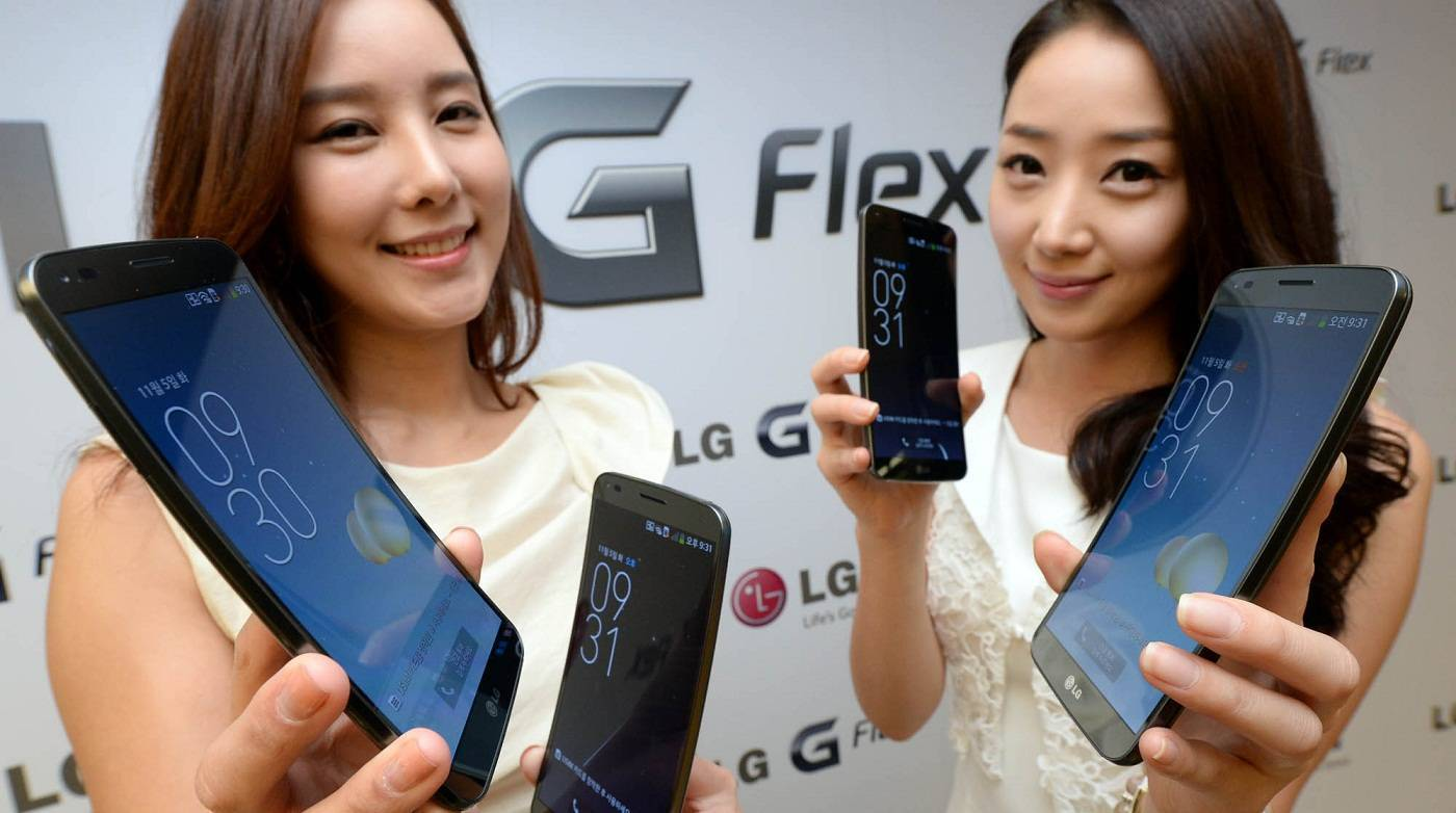 LG G Flex, nuovo video hands-on