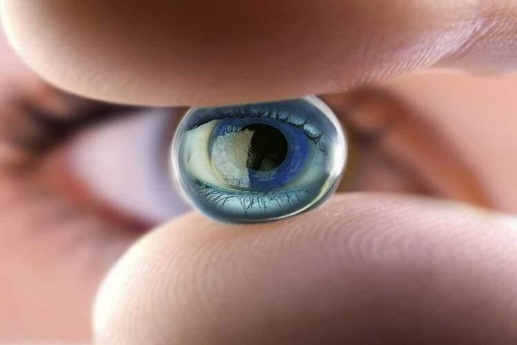 """Lenti a contatto """"smart"""": il progetto di Google per diabetici"""