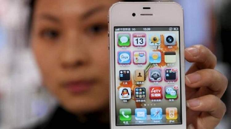 iPhone arriva in Cina: Tim Cook a Pechino per il lancio ufficiale