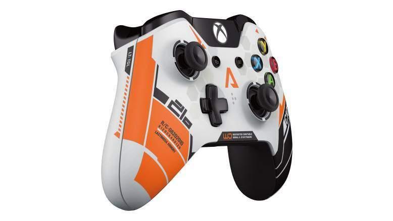 en-INTL-L-XboxOne-Wireless-Controller-J72-00001-RM3-mnco