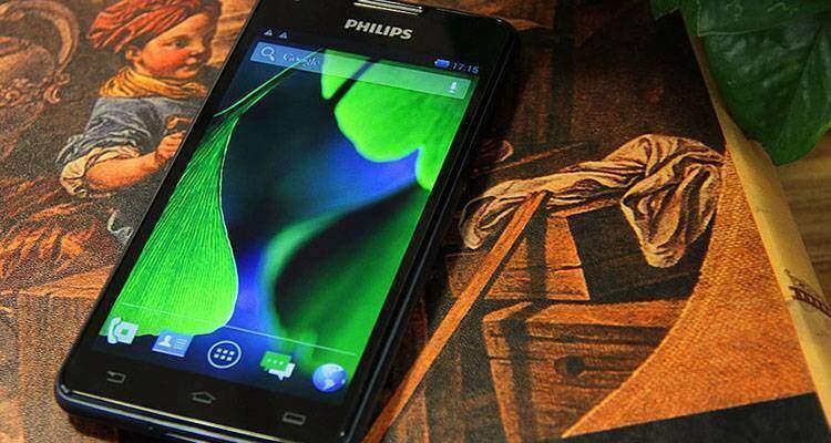 Philips W6618, smartphone Android con batteria da 5.300 mAh