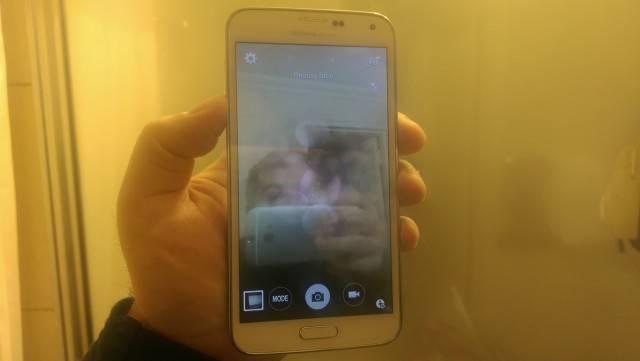 S5-water-damage-selfie-640×361