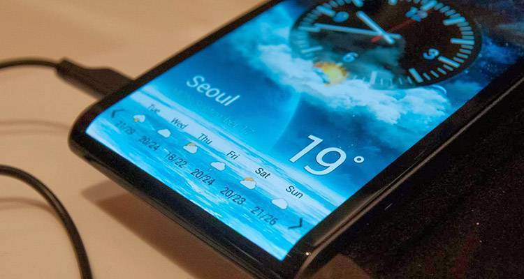 Samsung: display flessibili per Galaxy S6 e Note 5