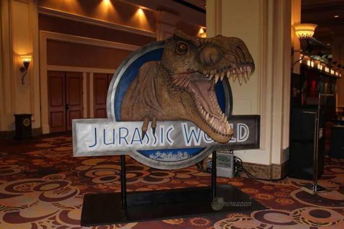 Jurassic World, logo in 3D e prima foto riguardante i dinosauri