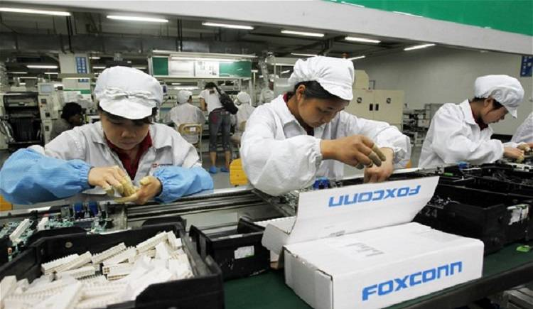 iPhone 6 e non solo: Foxconn assume 10mila robot