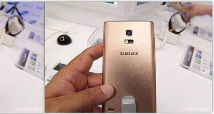 Samsung Z, prime foto della colorazione oro