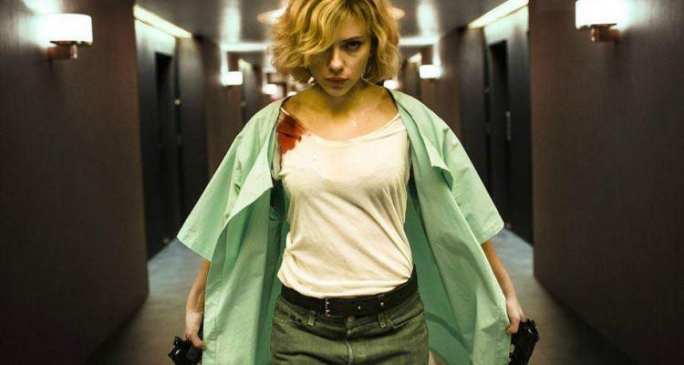 Scarlett Johansson nel ruolo della protagonista in Lucy