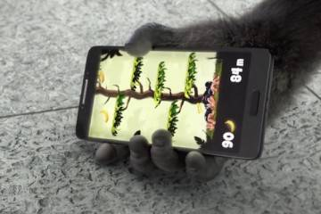 Screenshot del video di presentazione del nuovo vetro Gorilla Glass 4