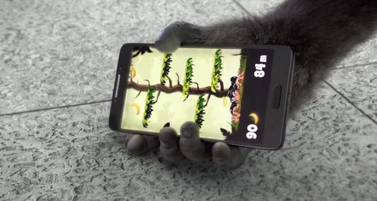 Screenshot del video di presentazione del nuovo vetro Gorilla Glass 4