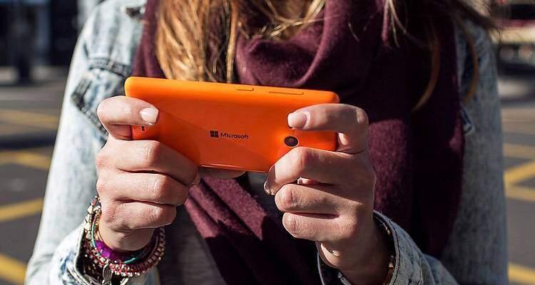 Foto di Microsoft Lumia 535, nuovo smartphone con sistema operativo Windows Phone.