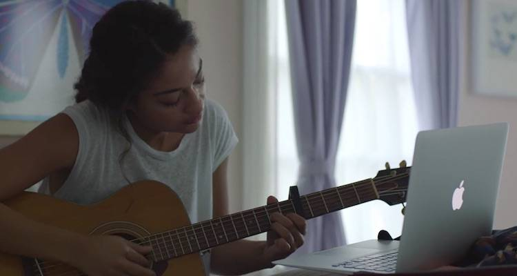 "Apple, il dietro le quinte dello spot ""The Song"""