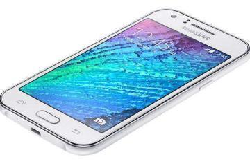 Foto che mostra il nuovo smartphone Samsung Galaxy J1