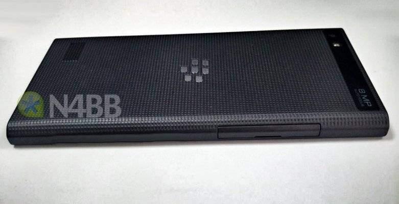BlackBerry: il prossimo smartphone svelato in alcune foto!