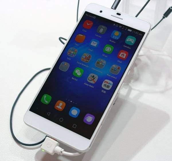 Huawei Honor 6 Plus: prime immagini dal vivo e caratteristiche!