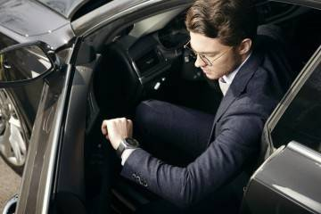 LG Watch Urbane con NFC ed LTE: nuovo smartwatch basato su WebOS!