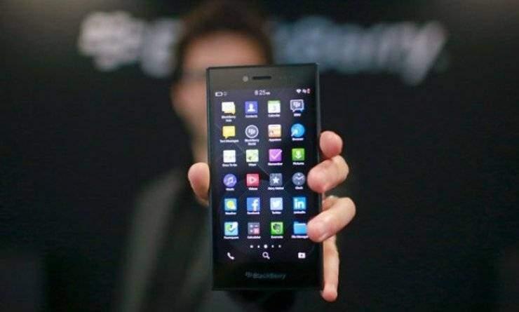 BlackBerry: rilasciato un video ufficiale che mostra il BlackBerry Leap!