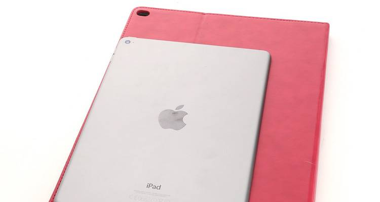 iPad Pro, una cover a confronto con iPad Air 2