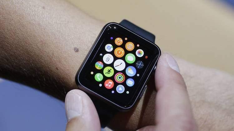 Apple Watch 2: fotocamera Facetime e ampie funzioni Wi-Fi