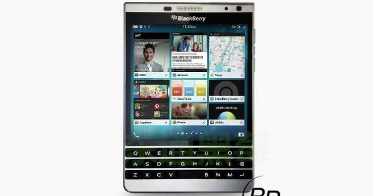 BlackBerry Oslo, prima foto: display quadrato e tastiera fisica