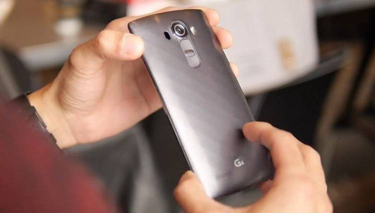 LG G4: primi video hands-on