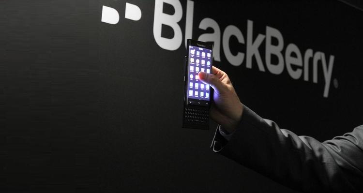 BlackBerry, uno smartphone con tastiera fisica a scomparsa?