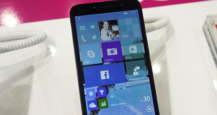 Alcatel guarda a Windows 10: un nuovo smartphone entro l'anno