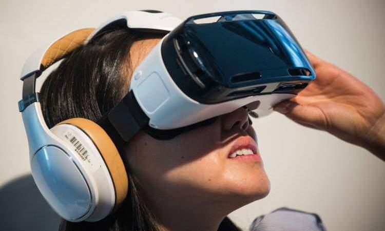 Samsung: nuovo casco per la realtà virtuale per Pc in preparazione?