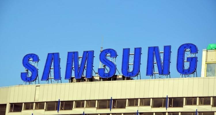 Samsung Galaxy A9 non riesce proprio a non mettersi in mostra