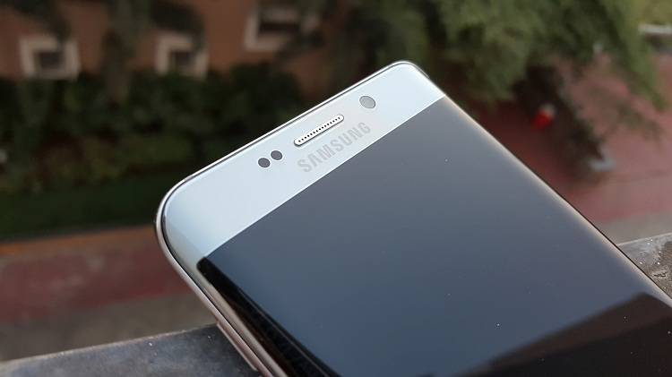Samsung fornirà display dual edge per altre aziende cinesi