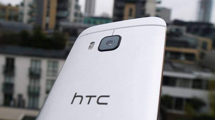 HTC 10 non vende: stime parlano di 1 milione di unità nel 2016