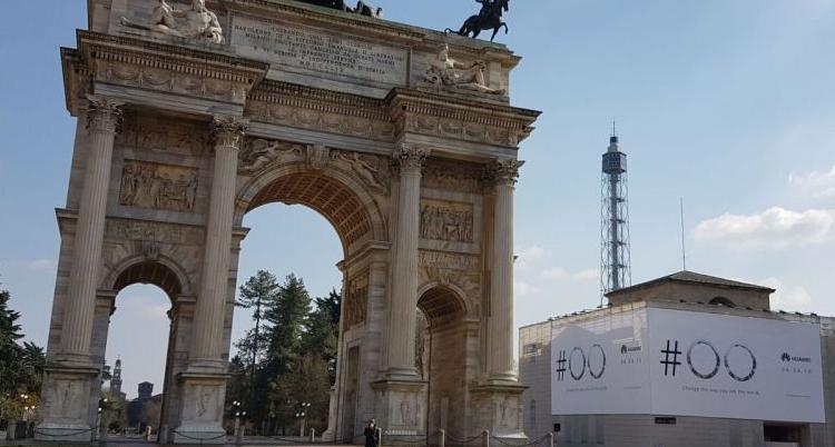Huawei, a Milano appare un teaser sull'evento del 6 Aprile