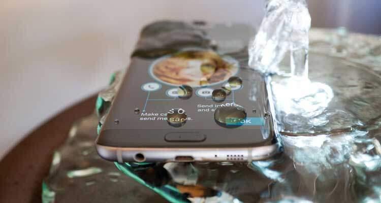 Samsung Galaxy S7: si può usare quando è bagnato?