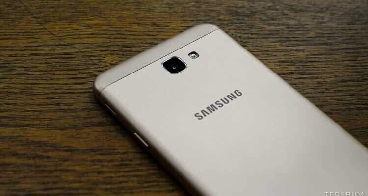 Samsung Galaxy J7 (2017) appare sui listini di Zauba