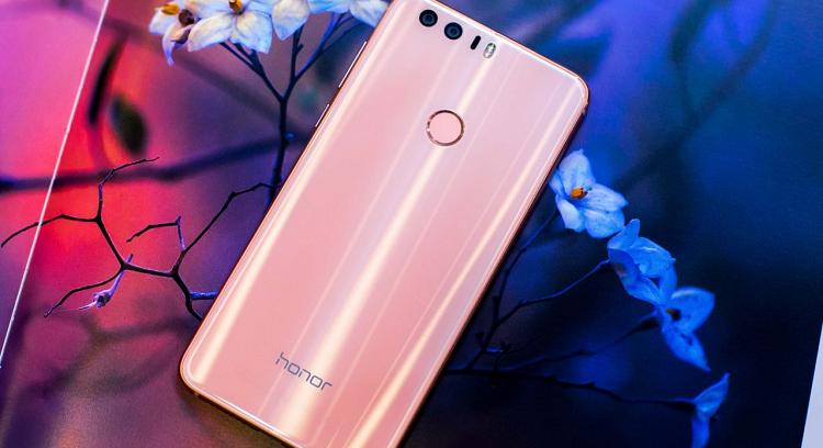 Honor 8 Premium si colora di rosa: entro Natale a 449 euro