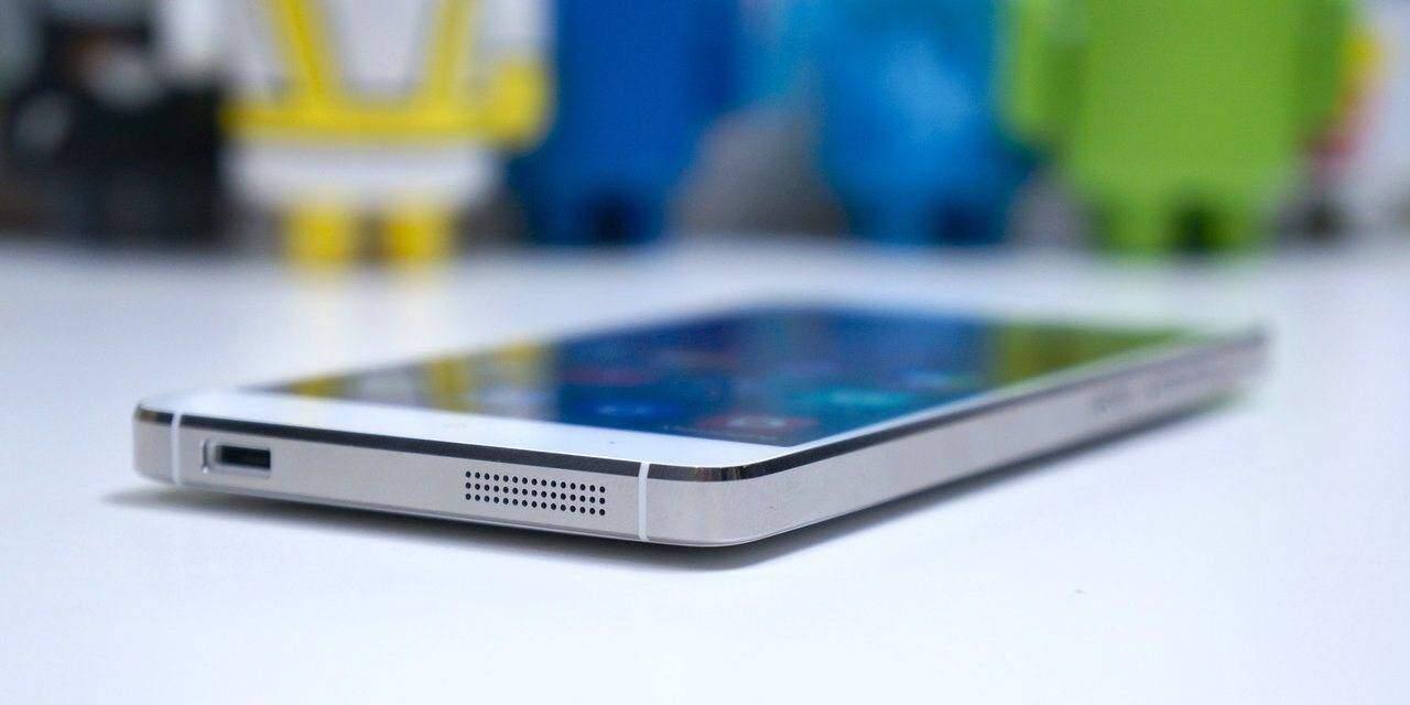 Xiaomi Mi 6 resistente ai graffi: spunta corpo in ceramica