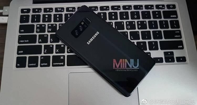 Samsung Galaxy Note 8 immaginato in alcuni render con tutti i rumors rispettati