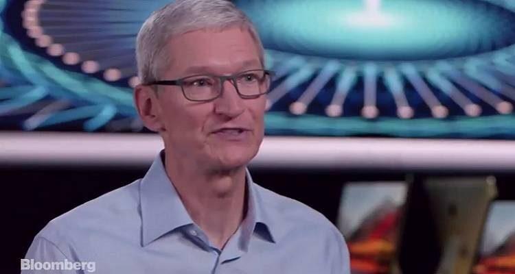 """Apple non si nasconde più: """"Lavoriamo ad un sistema di guida autonoma"""""""
