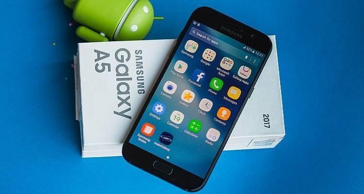 Samsung Galaxy A5 (2017): inizia il roll-out per l'aggiornamento ad Android Nougat 7.0